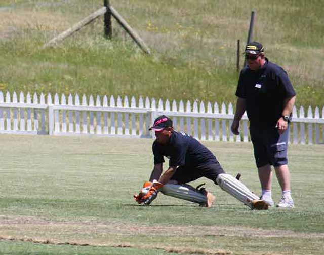 roadside Fluros vs Flowerdale Cricket Day 4